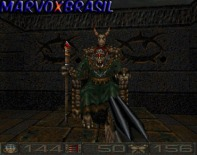 Finalmente encontramos o Lord da Fortaleza e dos portais dimensionais. Não se enganem pelo fato deste chefão ficar sentado no trono o tempo todo. Não adianta atirar nele pois suas armas, inclusive a mais poderosa não surtem efeito.