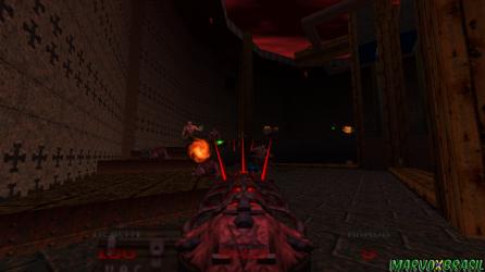 No começo parece uma arma fraca, o segredo está em coletar as Demon Keys para assim, conseguir disparar feixes em várias direções.