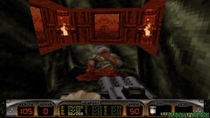 """O Easter Egg com o Doomguy morto, ao chegar perto Duke Nukem solta a frase - Hmm, that's one """"Doomed"""" Space Marine."""